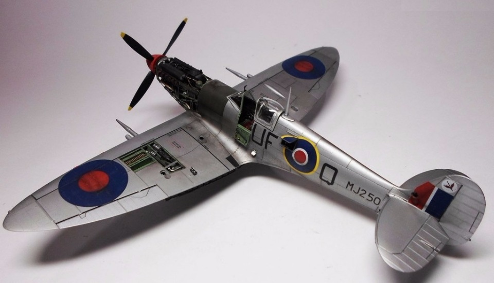 Supermarine Spitfire Eduard 1/48 97cf80d43f1b