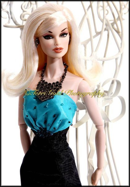 Fashion Royalty 6c9aca4bd15a