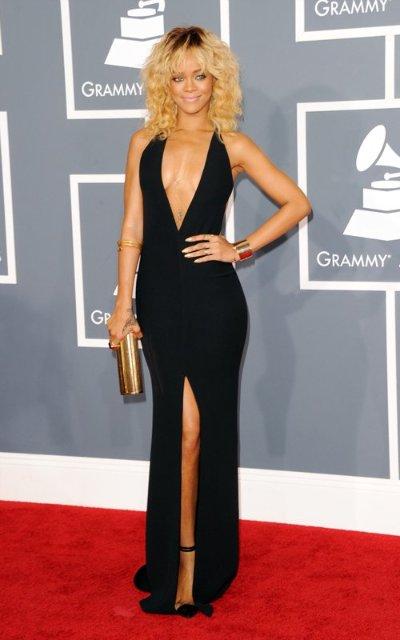 Rihanna  - Страница 2 B9a744a5bfab