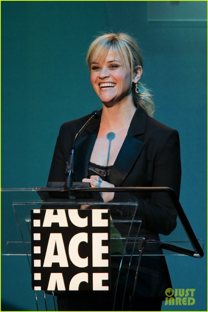 Reese Witherspoon  973edbad8a6b