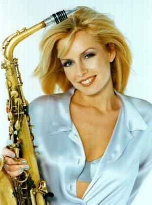 Кэнди Далфер. Девушка с саксофоном 41c7a659b341