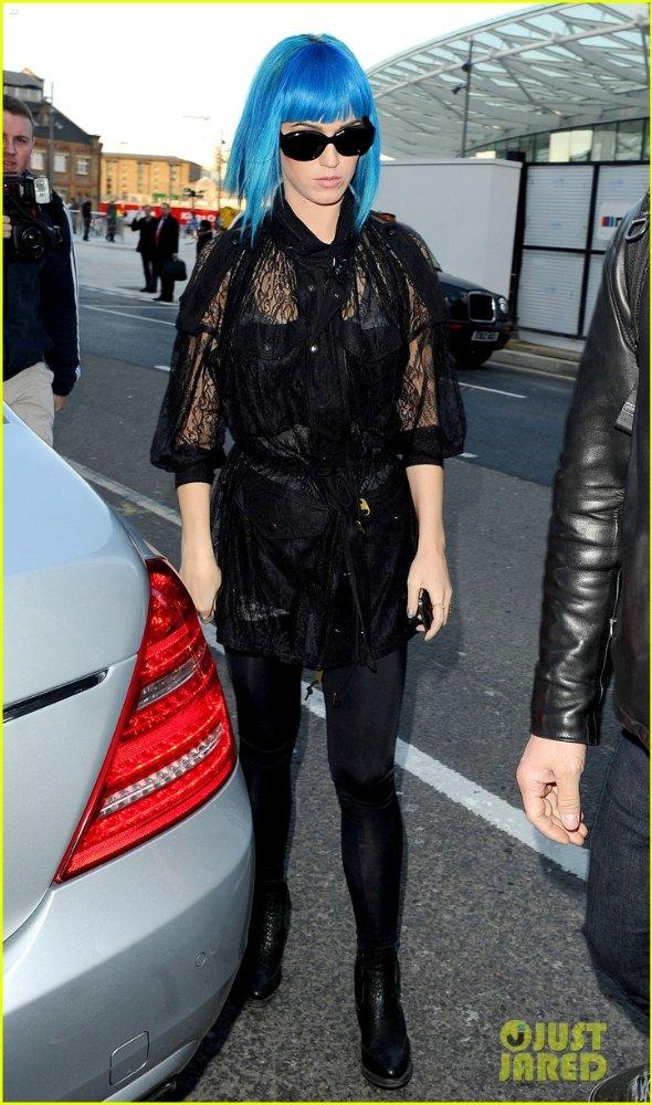 Katy Perry | Кэтти Перри - Страница 4 92518a8f8ee2
