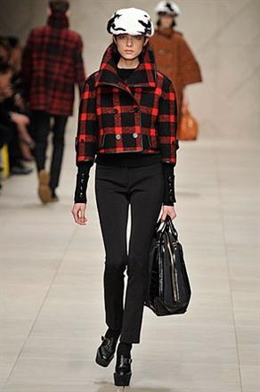 Гардероб наших леді в колекціях fashion дизайнерів - Страница 3 F9a9b36fc4c7