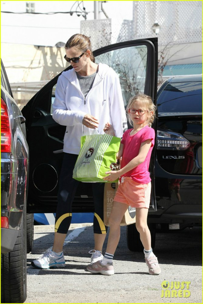 Ben Affleck and Jennifer Garner - Страница 11 1aa6d0241f03