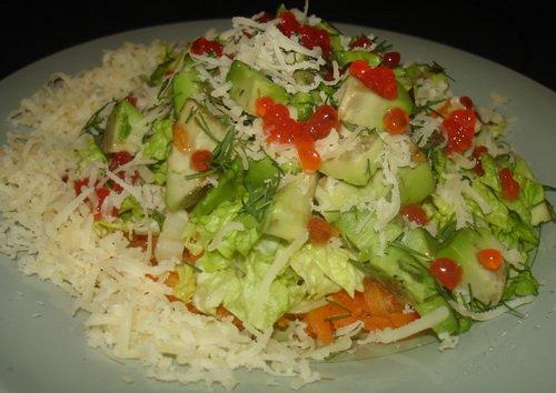 Салат овощной с авокадо и икрой 263c1c1663b3