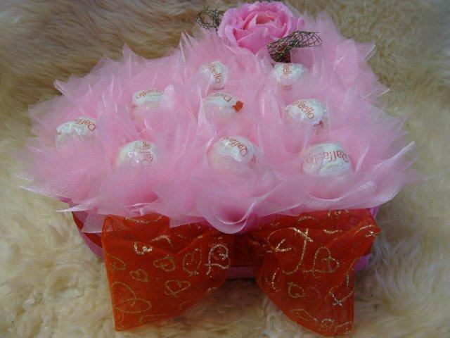 Букеты из конфет - Страница 39 5fe7d687da38