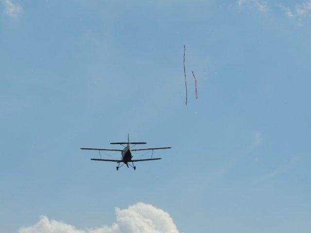 День космонавтики (12 апреля) и День полёта В. В. Терешковой в космос (16 июня) 3253a1c793cf