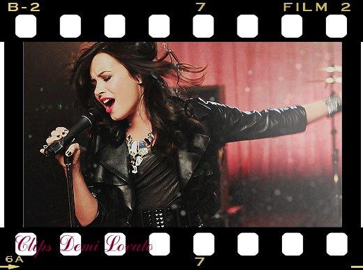 Clips Demi Lovato  B7634ca3edb5