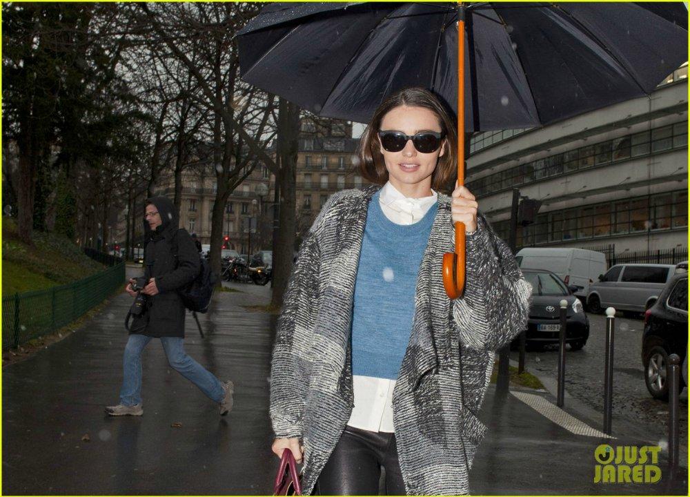 Miranda Kerr - Страница 2 E56e2e49e123