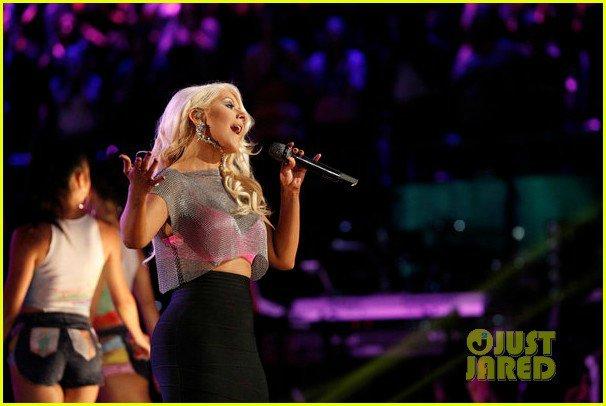 Christina Aguilera  - Страница 12 0e027db01340