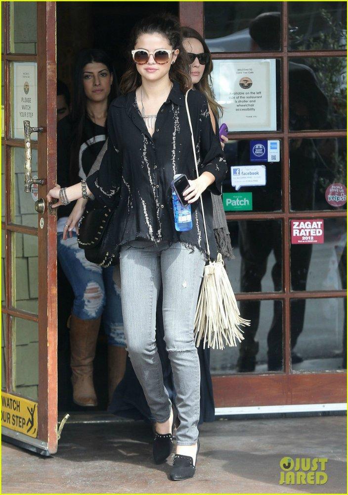 Selena Gomez | Селена Гомес - Страница 8 C40f7ed93095