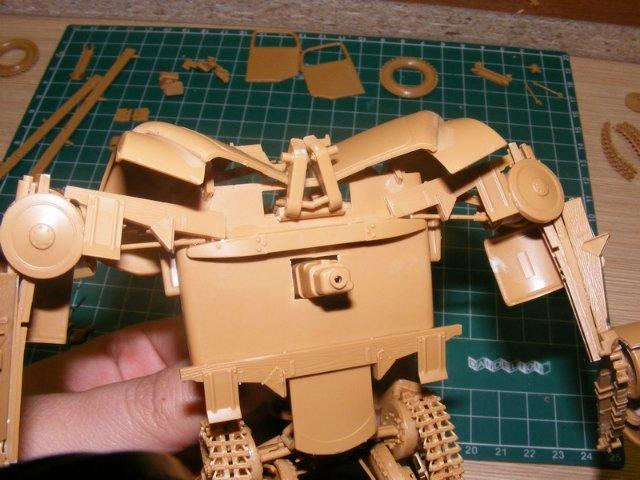 Робот трансформер(не трансформирующийся правда :) ) D742efd6d184