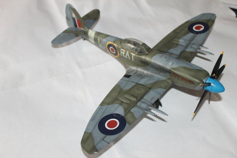 Supermarine Spitfire Mk. 22 Revell. 1/32 B26d2f40ee30