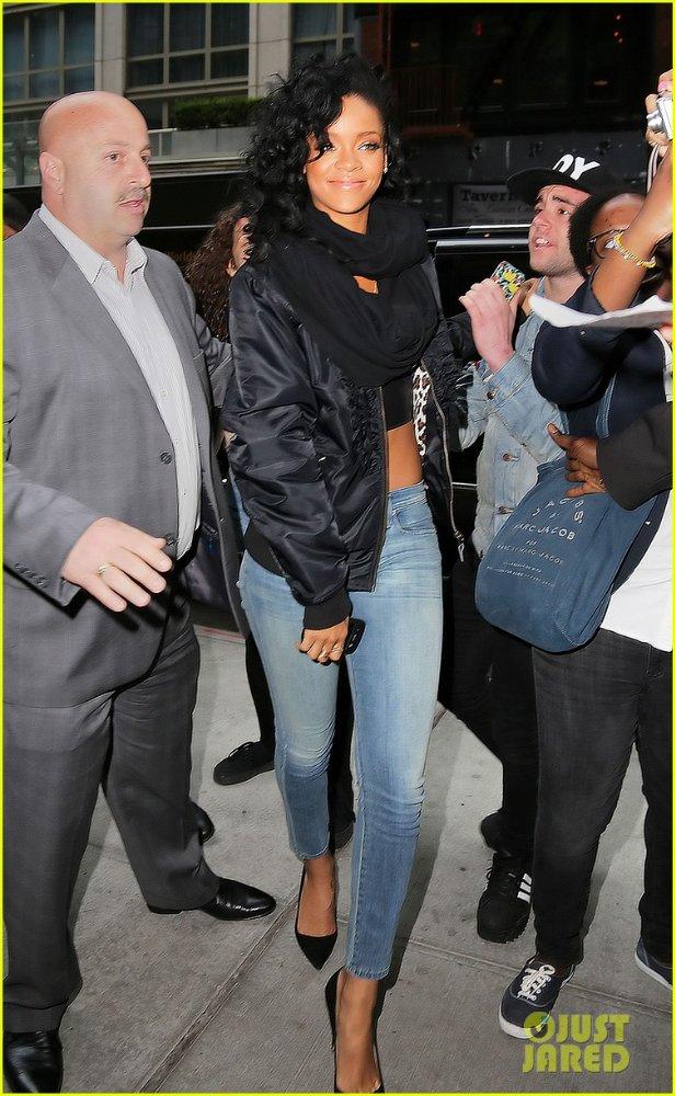 Rihanna  - Страница 6 Aed8a13066d8