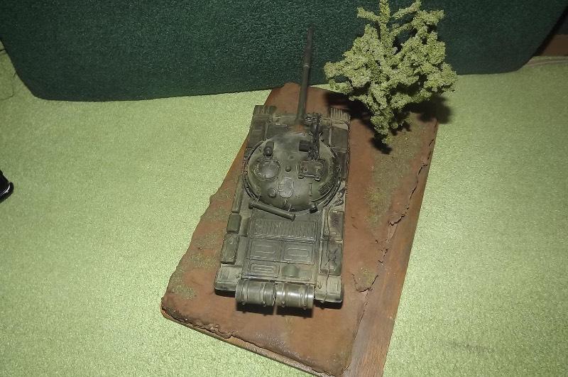 TRUMPETER T-62 Mod 1972  1/35 3eda100ea40e