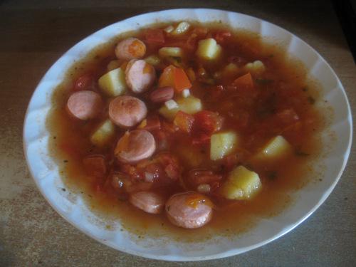 Томатный суп с фасолью и колбасками 9277e50ae06b