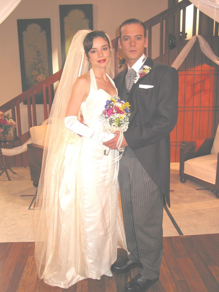 Сага о семейном бизнесе / La saga: Negocio de familia - Страница 4 0cd81bc6b5ac