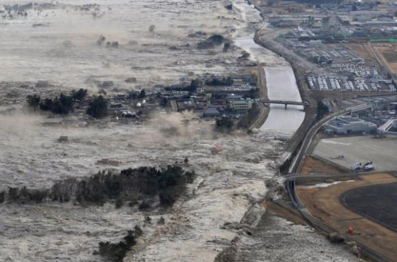 Prevén enorme tsunami en California por terremoto de 9.1 grados Tsunami