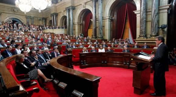 Projecte de Llei X/1981, de X de X, de perfeccionament de la llei electoral (GENCAT) Parlament-catalan-artur-mas-efe-26-9