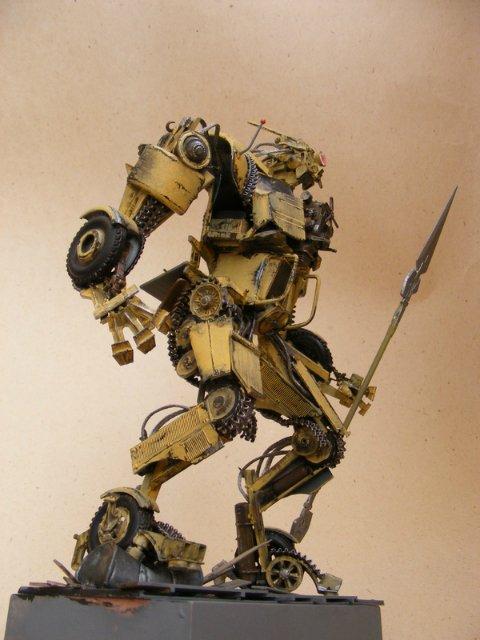 Робот трансформер(не трансформирующийся правда :) ) 9ef060d2f3be
