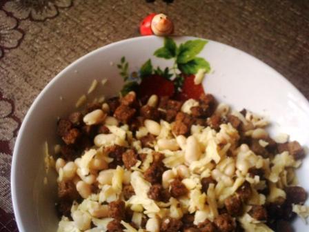 Салат из фасоли с гренками Db4872213f68