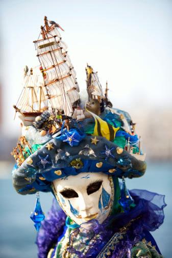Венецианские маски 923e619d8009