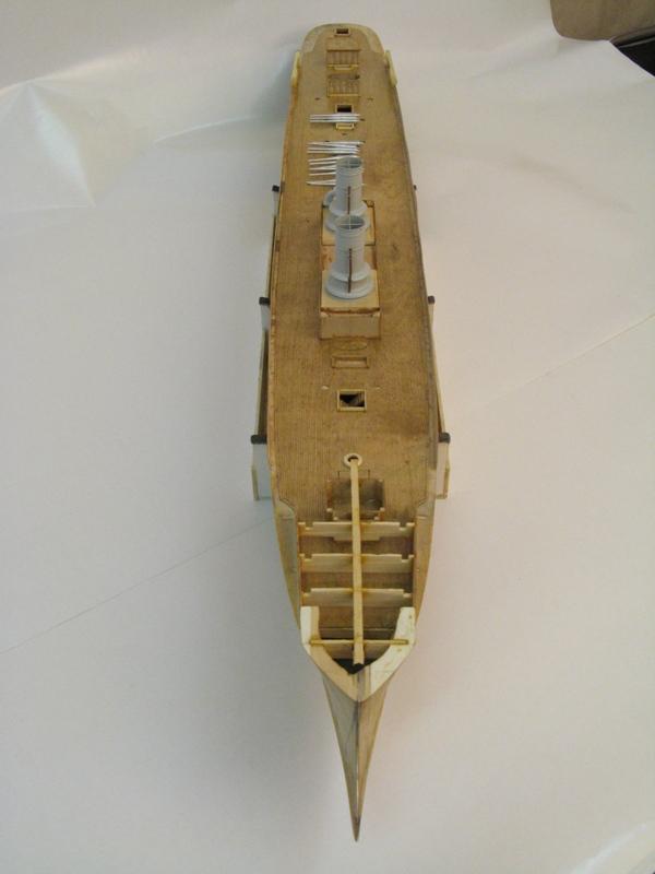 Croiseur AMIRAL KORNILOV 1888 par Alexandre au 1/100 - sur plans 3a689ea02bf5