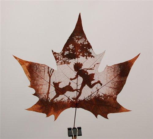 Креатив на кленовых листьях 821db3a4e1dd