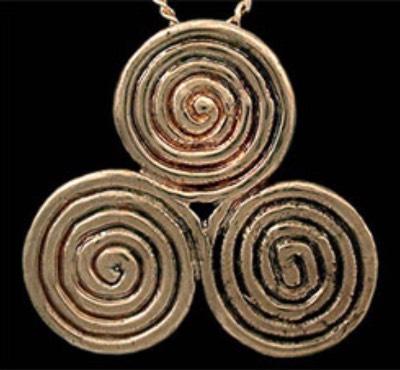 Символ: тройная спираль Cedb56cc716c