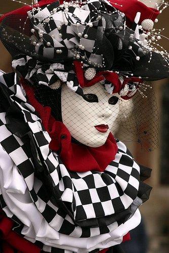 Венецианские маски 8cab83edf656