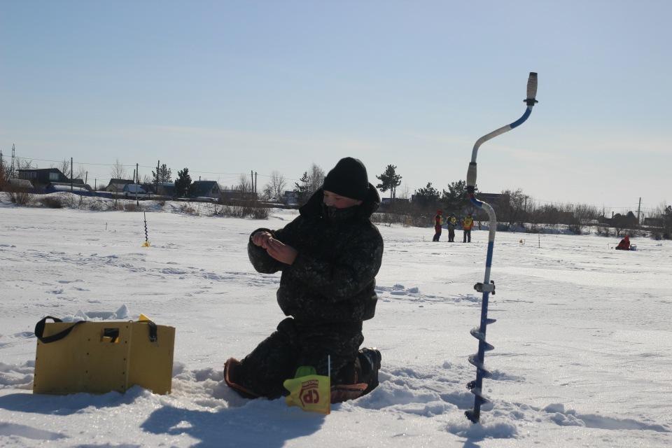 Первенство города Кургана по ловле на мормышку со льда среди юношей и девушек с 14 до 17 лет. B7281a843114