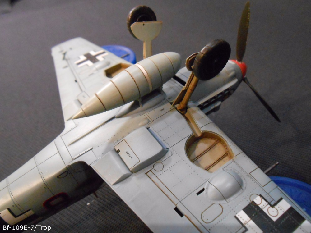Bf 109 E7/Trop Tamiya 1:48 Cfafb1e4f4a3