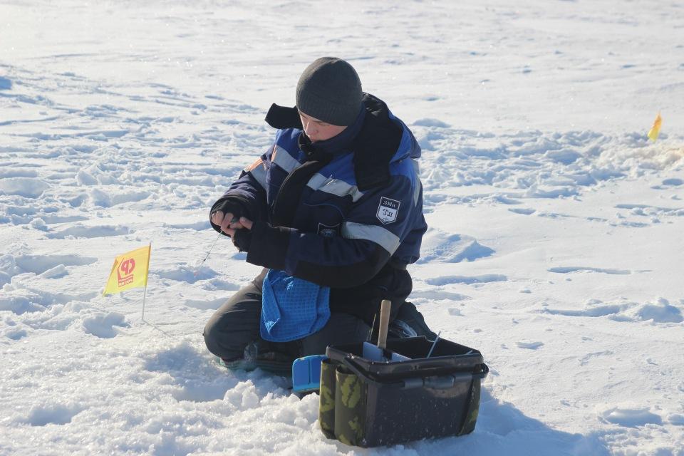 Первенство города Кургана по ловле на мормышку со льда среди юношей и девушек с 14 до 17 лет. 9f49d10edb08
