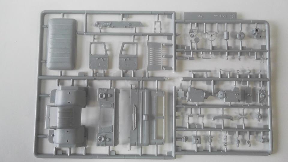Обзор ГаЗ-66 Командно-штабная машина Р-142Н, 1/35, (ВЭ №35137).  Cec831f8480a