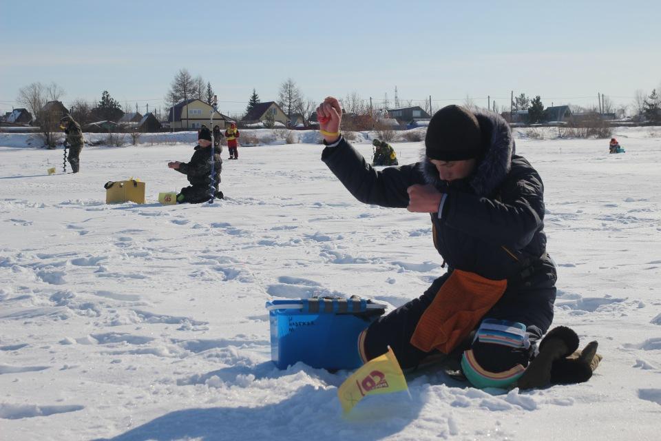 Первенство города Кургана по ловле на мормышку со льда среди юношей и девушек с 14 до 17 лет. B1f0d0f6611c
