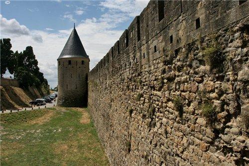 Каркассон (франц. Carcassonne) - город-крепость. Fbae4839f595