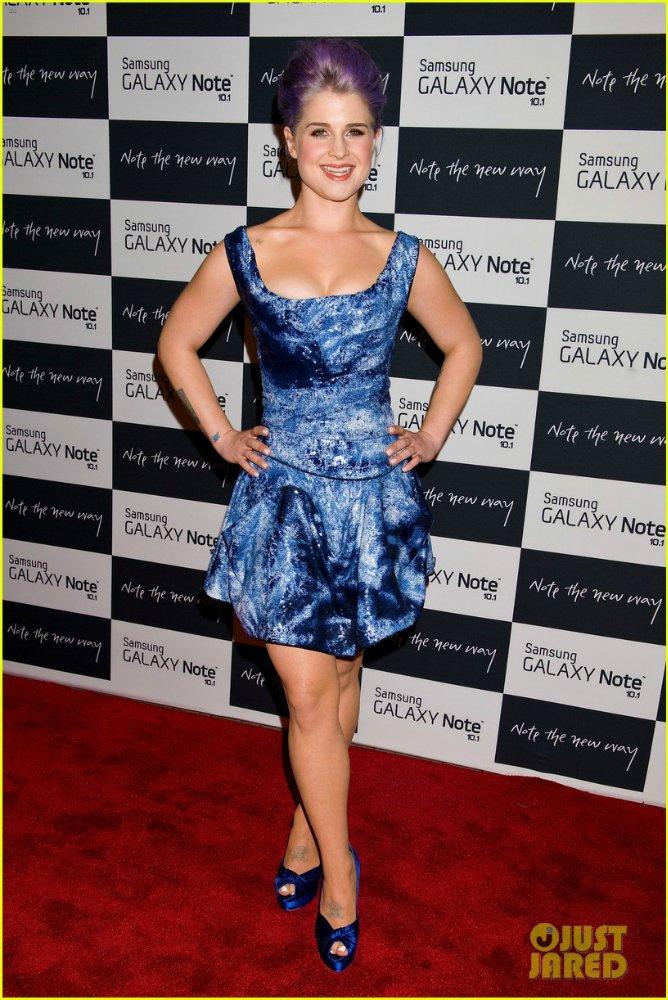 Kelly Osbourne  - Страница 2 C05d2eb5304a