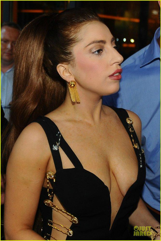 Lady GaGa  - Страница 6 E660e458d58a