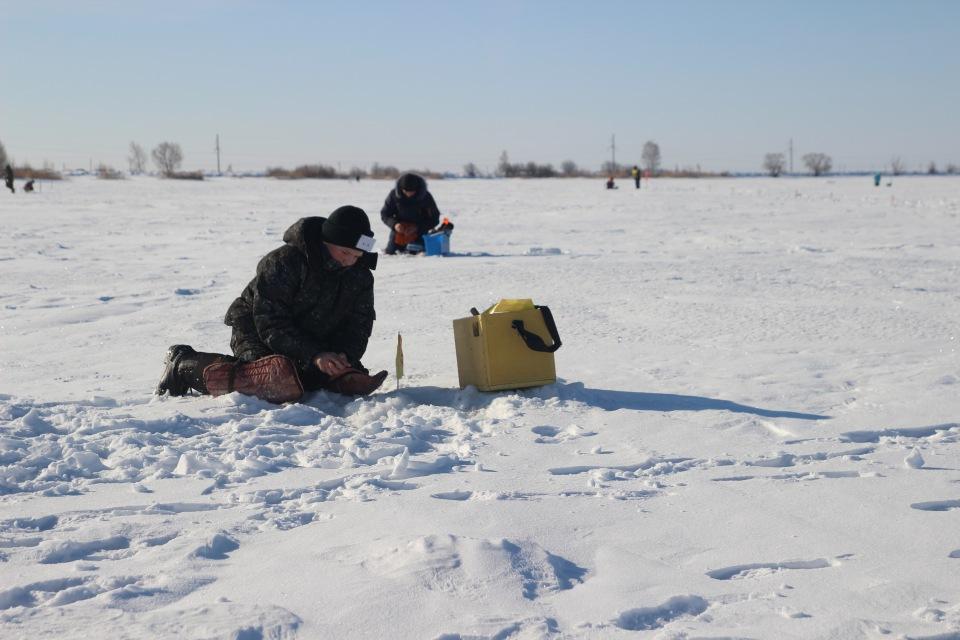 Первенство города Кургана по ловле на мормышку со льда среди юношей и девушек с 14 до 17 лет. 09c201e1ec2d
