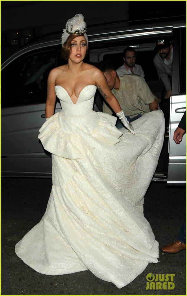 Lady GaGa  - Страница 4 101301013d54