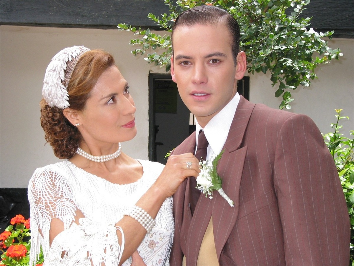 Сага о семейном бизнесе / La saga: Negocio de familia - Страница 4 Cdc69537bdca