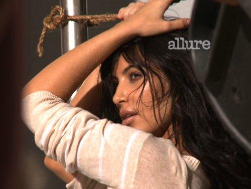 Kim Kardashian  - Страница 5 E4eea2d569bb