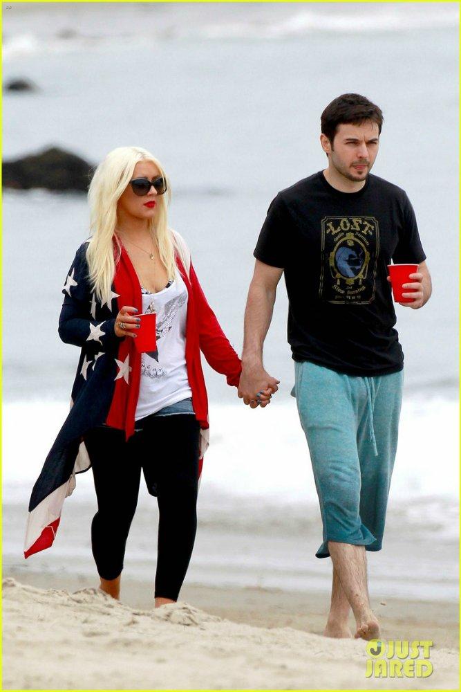 Christina Aguilera  - Страница 4 64c24f2b0a25