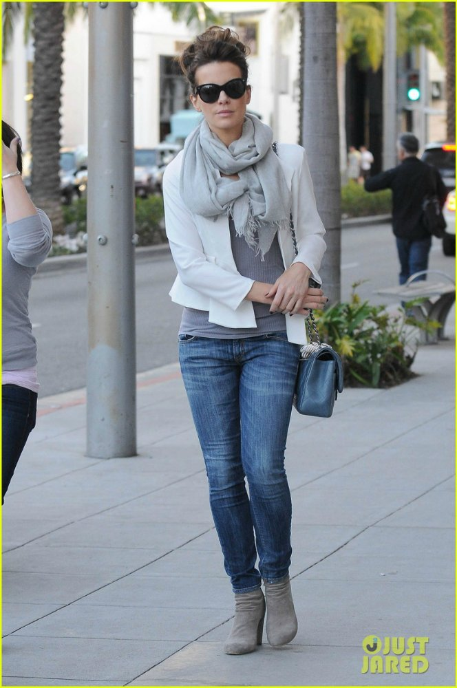 Kate Beckinsale - Страница 6 99623400a3ee