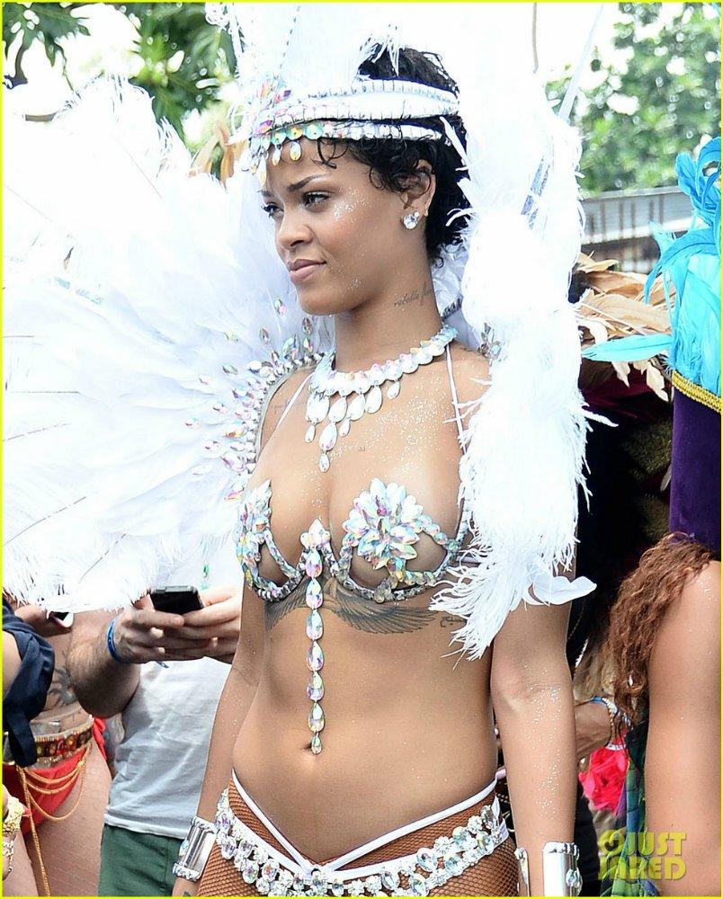 Rihanna  - Страница 15 09f34ee9d089