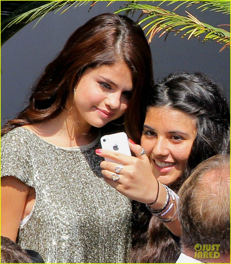 Selena Gomez | Селена Гомес - Страница 4 7ff824e260a8