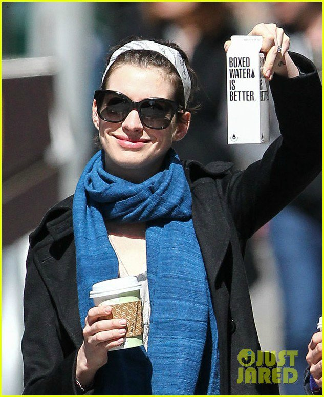 Anne Hathaway/Энн Хэтэуэй - Страница 9 E5db62e19a8c