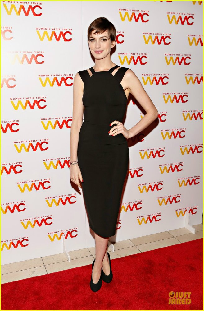 Anne Hathaway/Энн Хэтэуэй - Страница 5 56b8b823c69a
