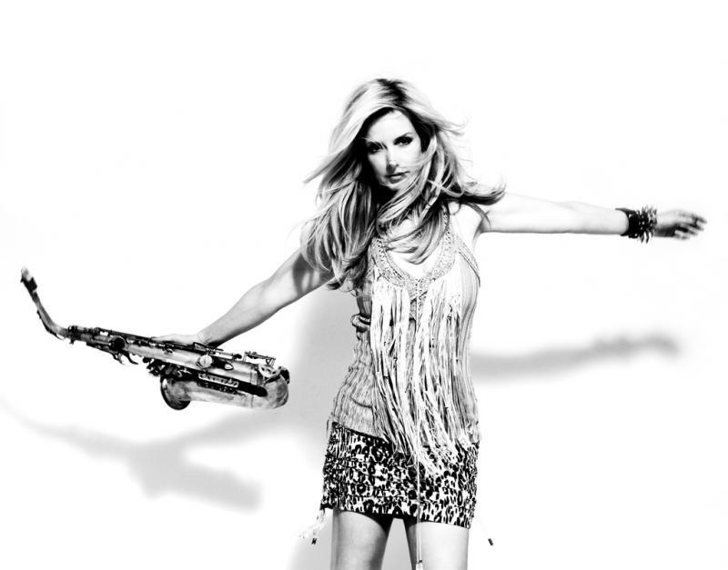 Кэнди Далфер. Девушка с саксофоном Ad3e66a3ea52