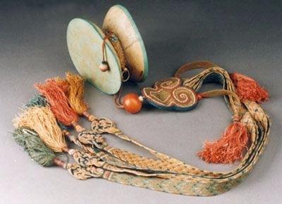 Ритуальные изделия из костей человека  02cf0bd92897